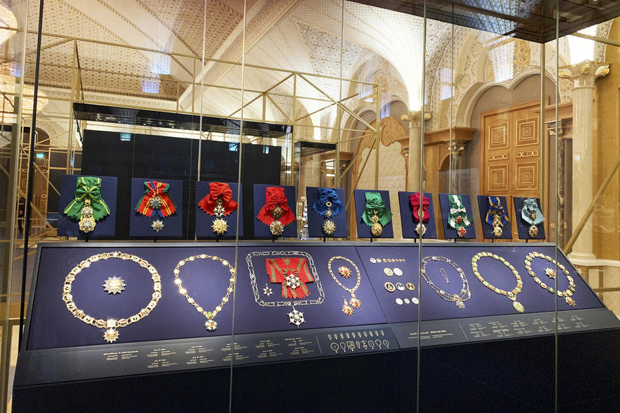 Free standing museum display case with medals